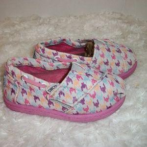 Toms infant Size 6 Multi Color Shoes Strap Closure